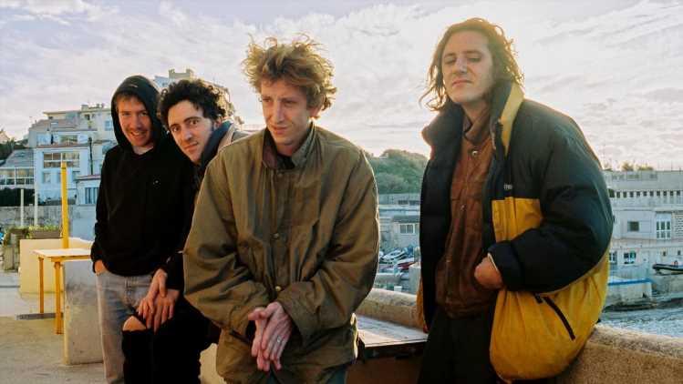 """""""A Rock en Seine, on gagne environ 80 euros chacun"""" : Nathan Roche, chanteur du groupe de rock Le Villejuif Underground, parle cash"""