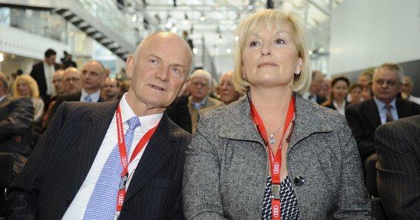 """La veuve du patron de Volkswagen a accepté une """"clause de célibat"""" pour pouvoir toucher son héritage"""