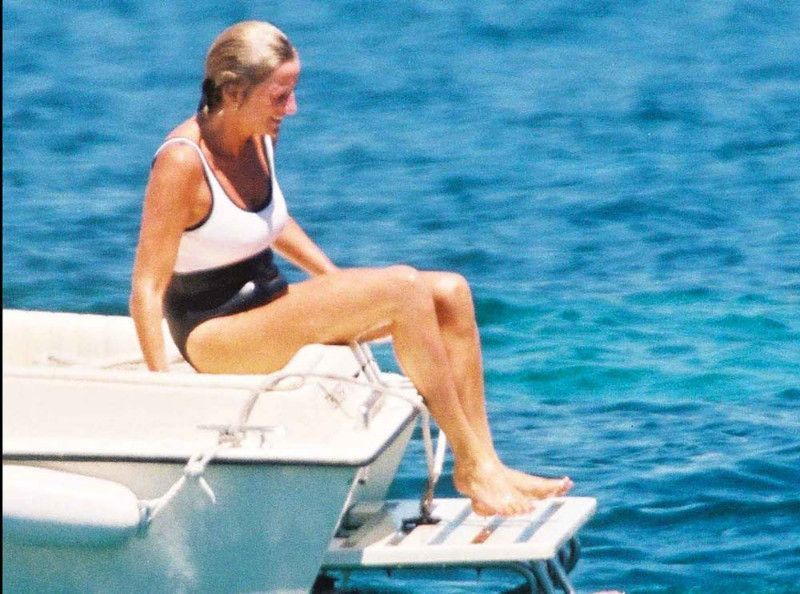 Lady Diana : 22 ans après sa mort, son dernier été raconté jour après jour en photos