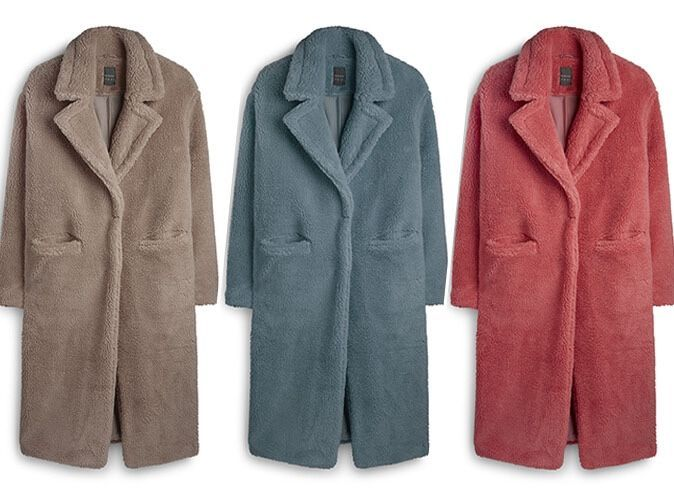 Mode : le manteau que l'on va toutes s'arracher cet hiver est déjà disponible chez Primark !