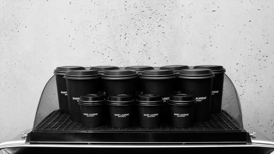 Un café Saint Laurent ouvre ses portes à Paris