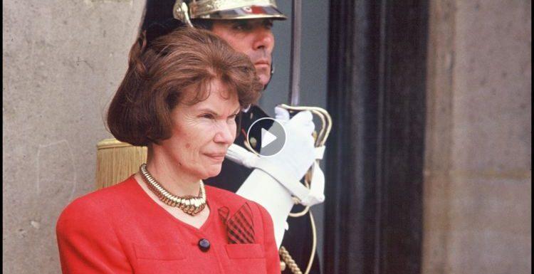 Danielle Mitterrand : sa passion secrète avec Jean, l'autre homme de sa vie