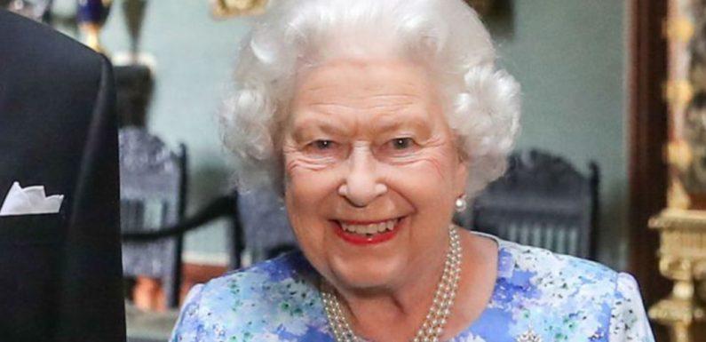 Elizabeth II a su rester simple: étonnante révélation sur sa vie à Buckingham