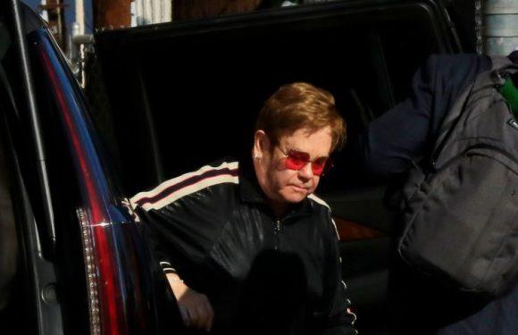 Elton John : souffrant, il annule son concert et affole ses fans