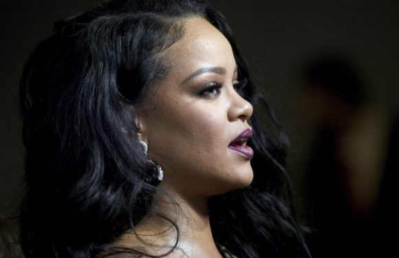 PHOTO Rihanna s'affiche complètement nue pour promouvoir la sortie de son autobiographie