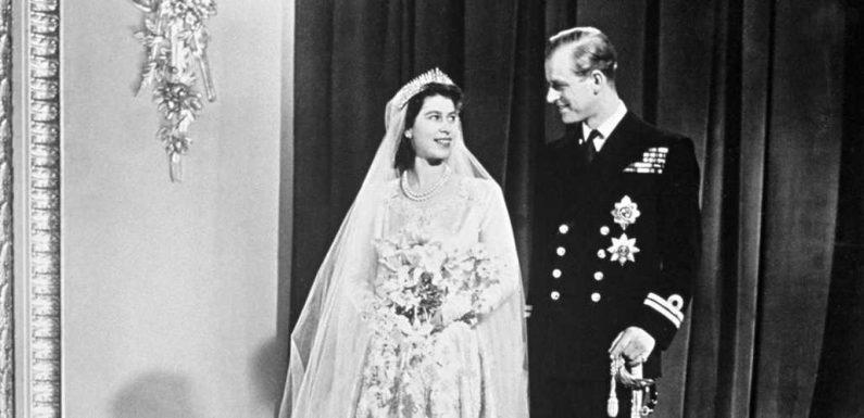 Elizabeth II un brin coquine: ce qu'elle avait caché sous sa robe de mariée