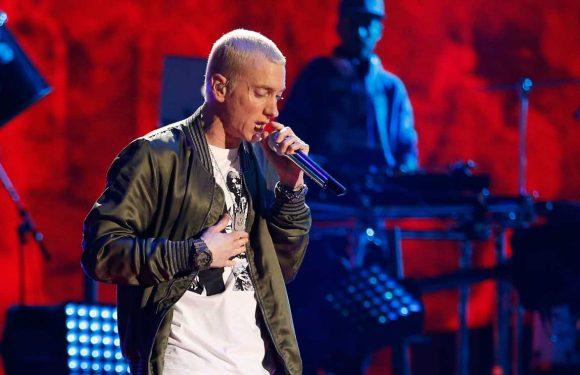 "Eminem sort un nouvel album surprise, ""Music to Be Murdered by"""