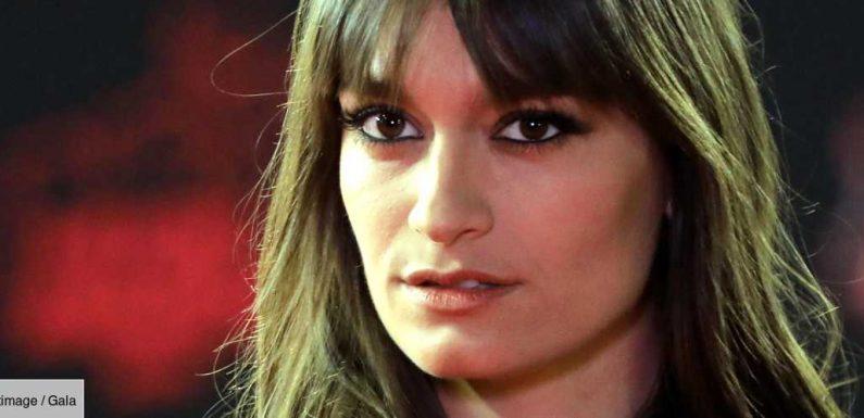 Clara Luciani: cet amour «très malsain» qui l'a «enfermée» pendant trois ans