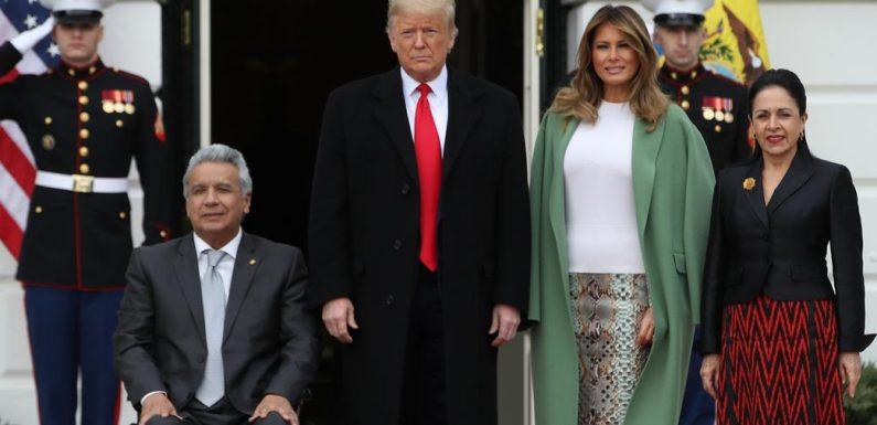 La jupe python portée par Melania Trump ne connaît pas la crise