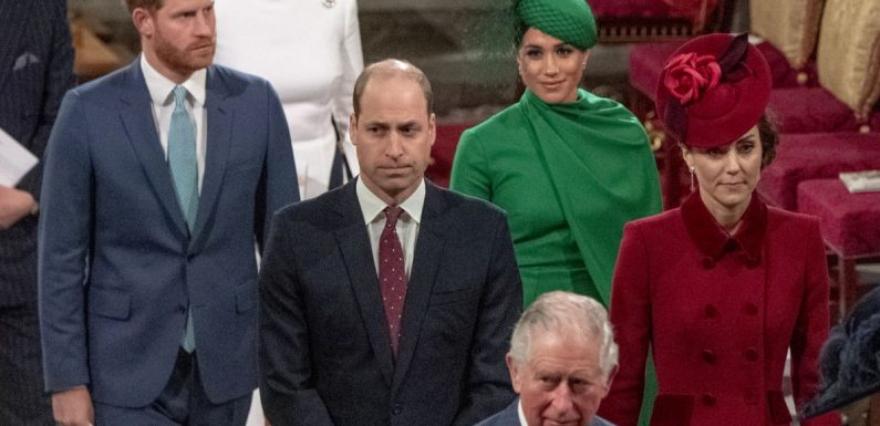 Prince Charles : Positif au Covid-19, comment a-t-il prévenu William et Harry ?