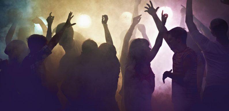 Une rave-party géante organisée en France scandalise les internautes