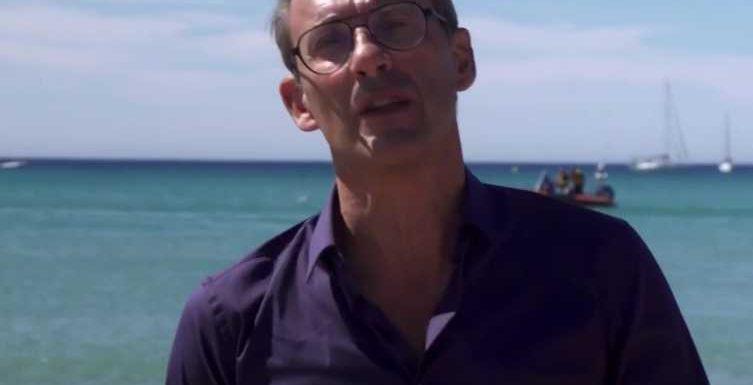 VIDEO Capital: Julien Courbet se fait dézinguer par les internautes après un geste jugé «choquant»