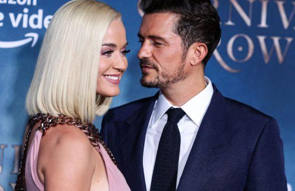 Katy Perry enceinte : danse le ventre rond à l'air, encouragée par Orlando Bloom