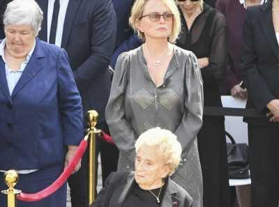 Bernadette Chirac inconsolable : sa fille Claude Chirac prend une décision radicale