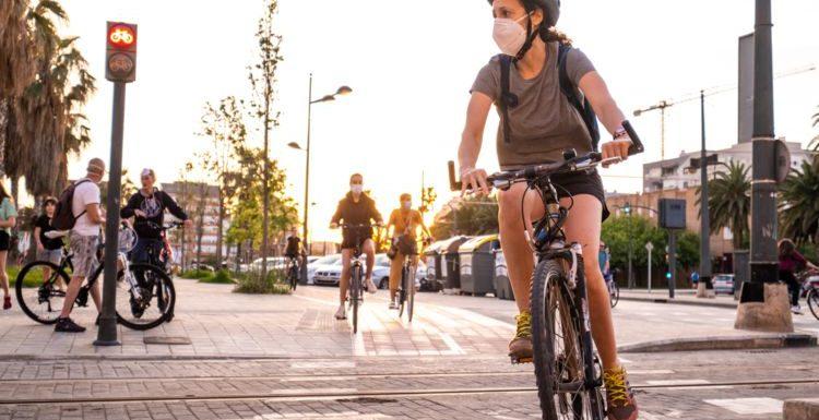 5 règles à respecter pour circuler à vélo (sous peine d'amende)