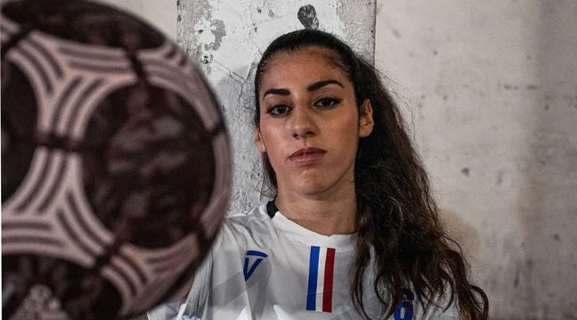 """«J'aurais aimé petite voir des joueuses dans """"FIFA""""», confie Lisa Freestyle"""