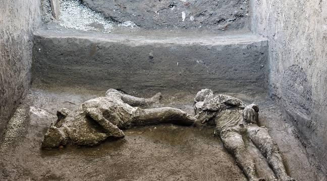 Les corps de deux victimes de l'éruption du Vésuve trouvés et reconstitués