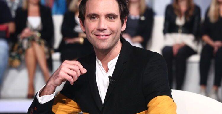 Mika fait voyager ses fans et dévoile un tendre cliché avec sa sœur Paloma
