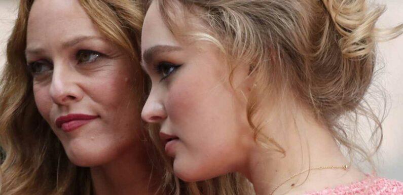Lily-Rose Depp publie une adorable photo intime pour l'anniversaire de sa mère Vanessa Paradis