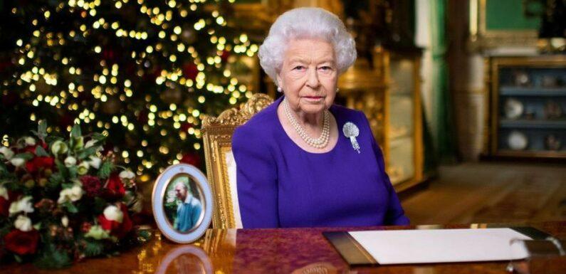 """Elizabeth II s'adresse aux Britanniques pour Noël après une """"triste année"""""""