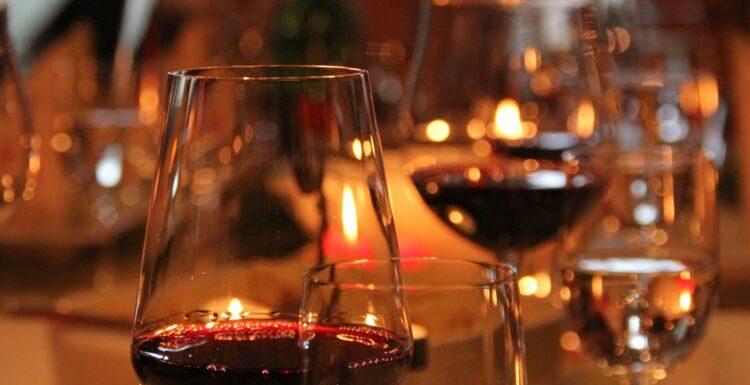 Consommation d'alcool : les 3 périodes de nos vies où boire est particulièrement dangereux