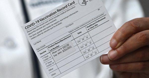 Covid-19: faut-il s'inquiéter du fichier contenant les données sur les personnes vaccinées?