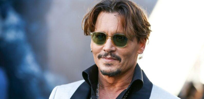 Johnny Depp marqué par une année difficile, il adresse un message à ses fans