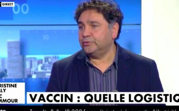 VIDÉO – La stratégie de vaccination d'Emmanuel Macron en question: «on est en phase de rodage»