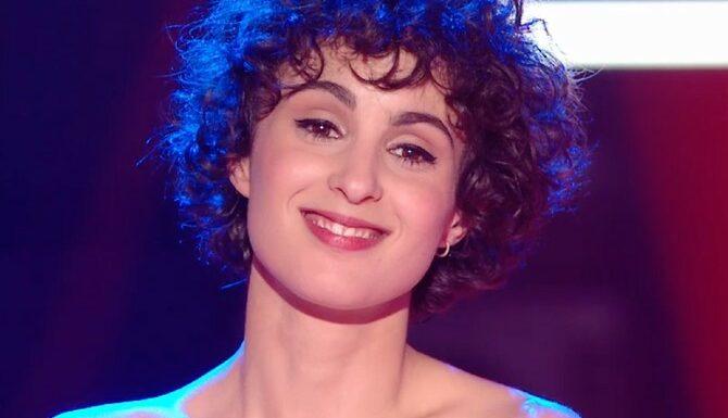 "Eurovision 2021 : Barbara Pravi représentera la France à Rotterdam, avec la chanson ""Voilà"""