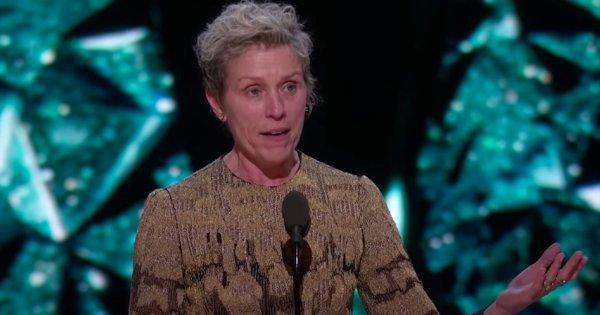 """Le discours féministe culte de Frances McDormand aux Oscars pour """"3 billboards, les panneaux de la vengeance"""""""