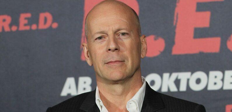 Bruce Willis (Die Hard) viré d'une pharmacie pour non-port du masque, il réagit à la polémique