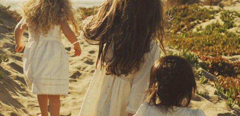 Laure de Sagazan nous parle de Détours, sa première ligne pour enfants   Vogue Paris