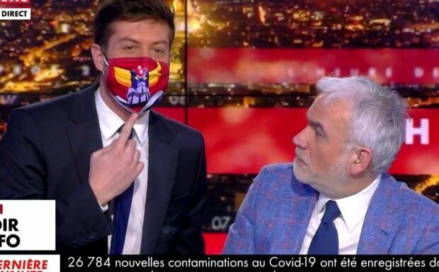 VIDÉO – «C'est quoi ce masque de Goldorak?»: cafouillage de passation chez Pascal Praud