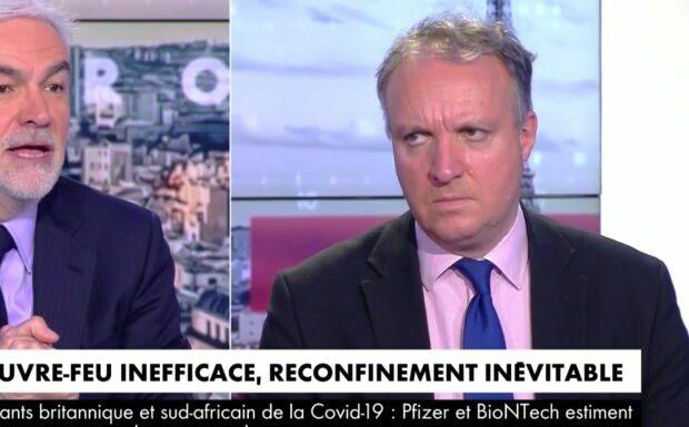 VIDEO – «Pas de pilote dans l'avion»: Emmanuel Macron pas épargné chez Pascal Praud