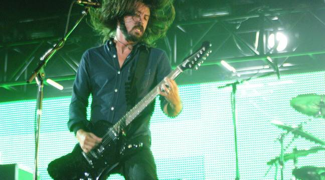 Dave Grohl rend hommage à Kurt Cobain