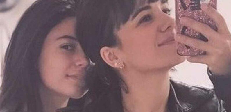 PHOTOS Alizée : très amoureuse, sa fille Annily pose avec son chéri