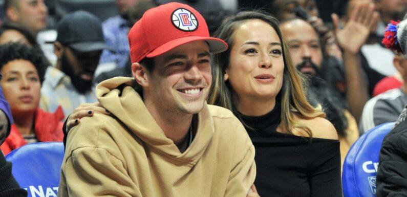 Grant Gustin (The Flash) bientôt papa, sa femme LA Thoma est enceinte de leur premier enfant