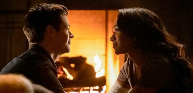 The Flash saison 7 : Barry et Iris en plein dîner romantique sur une photo promo
