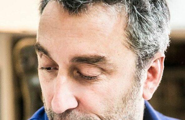 Chiner, assembler, illuminer… Quand Philippe Corbin signe la déco de ses maisons