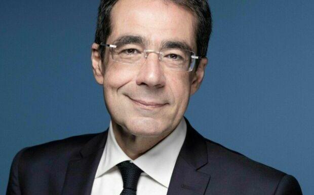 Darius Rochebin blanchi: LCI dévoile la date de son retour