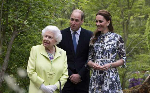 Elizabeth II «ne sera pas seule»: Charles, William et Kate prêts à l'épauler