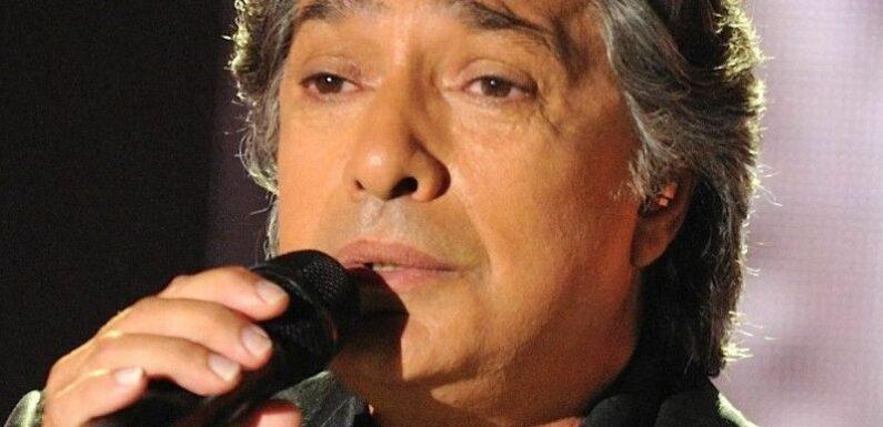 """Frédéric François en deuil : Le chanteur plongé dans un immense chagrin après la mort d'un """"membre"""" de sa famille"""
