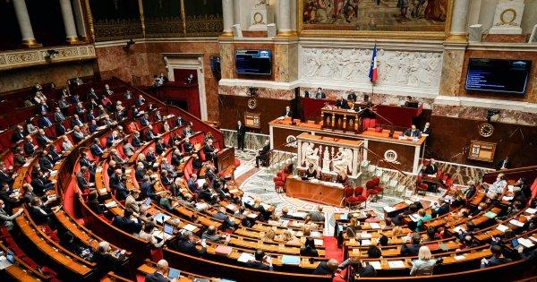 L'Assemblée nationale vote à l'unanimité la proposition de loi contre les violences sexuelles sur mineur.es
