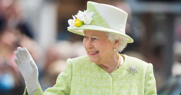 La reine Elizabeth II, une monarque moderne et respectée
