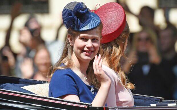 Lady Louise Windsor, la petite-fille préférée de la reine: découvrez leur lien spécial
