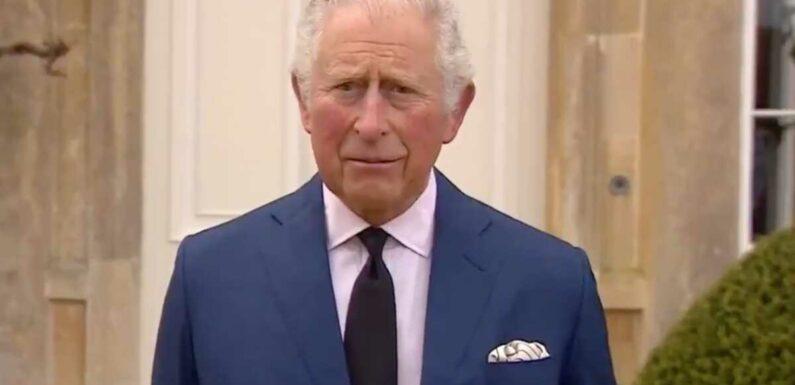 Mort du prince Philip : le prince Charles rend hommage à son « cher papa »