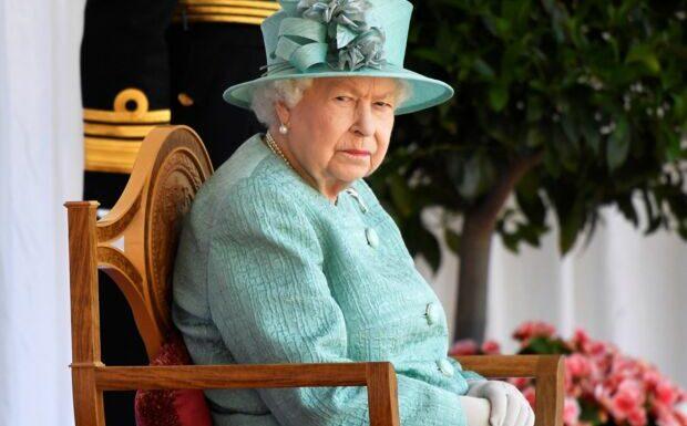 Obsèques du prince Philip: Elizabeth II sauve Harry d'une humiliation