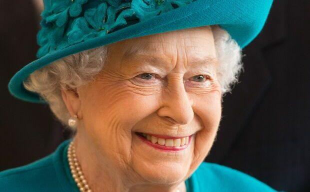 Elizabeth II: des images inédites de la reine, en plein moment de détente avec Philip à 27 ans