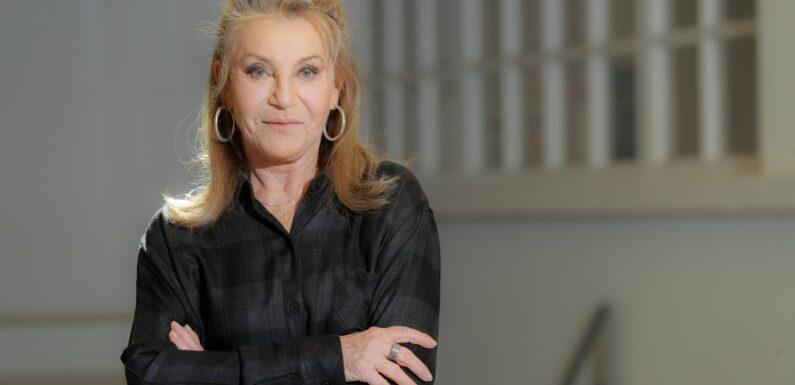 """""""Faites gaffe les jeunes, une rumeur peut tuer"""" : Sheila se dévoile dans un nouvel album très personnel"""