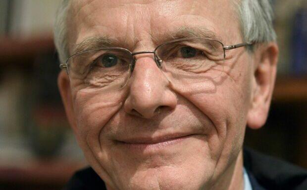 Axel Kahn face au cancer: il partage sa fin de vie sur les réseaux